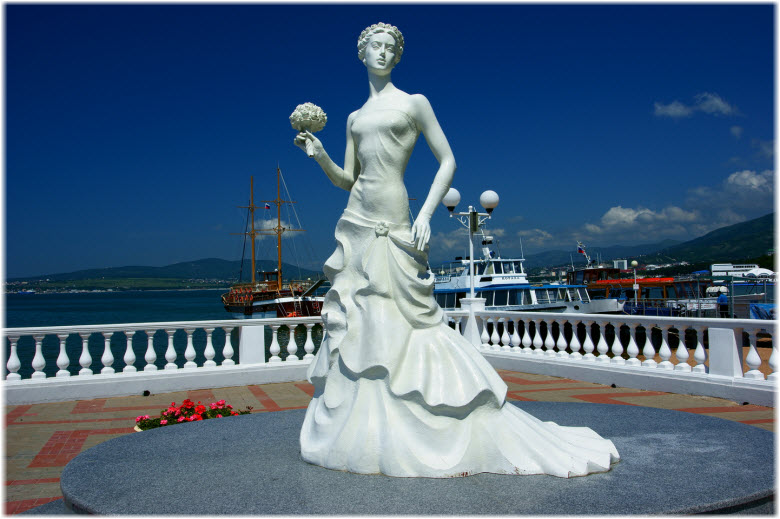 Фото скульптуры Белая невеста