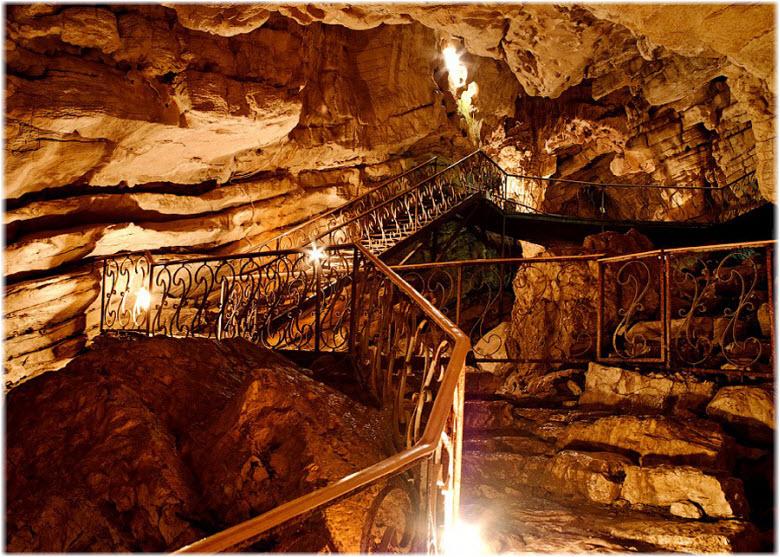 ходы внутри Воронцовских пещер