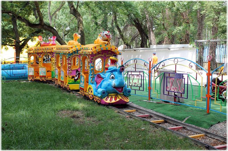 паравозик в парке п. Дивноморск