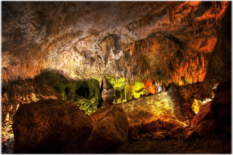 сталагмиты и сталактиты Воронцовских пещер