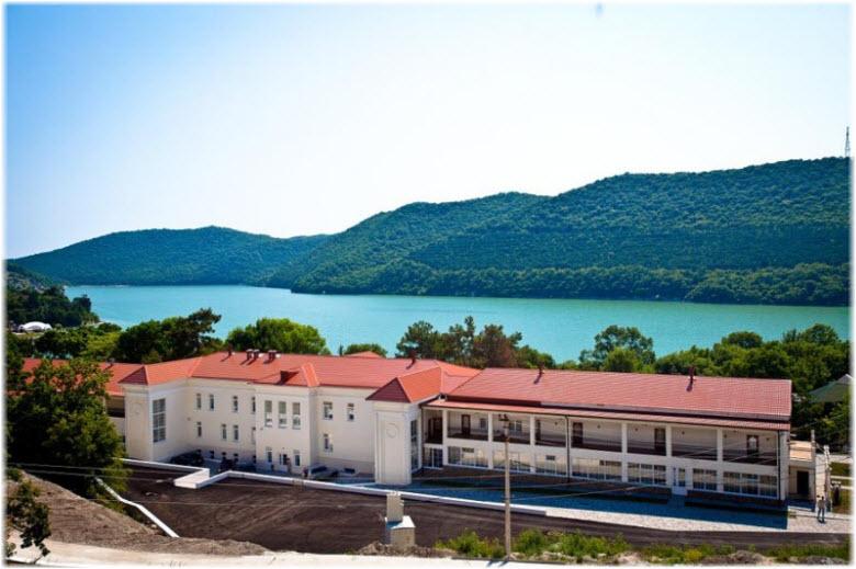 фото фасада гостиницы Империал