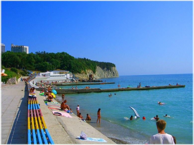 пляж и набарежная Дивноморска