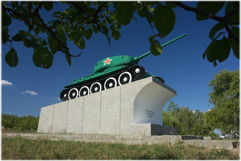 танк на Сопке Героев