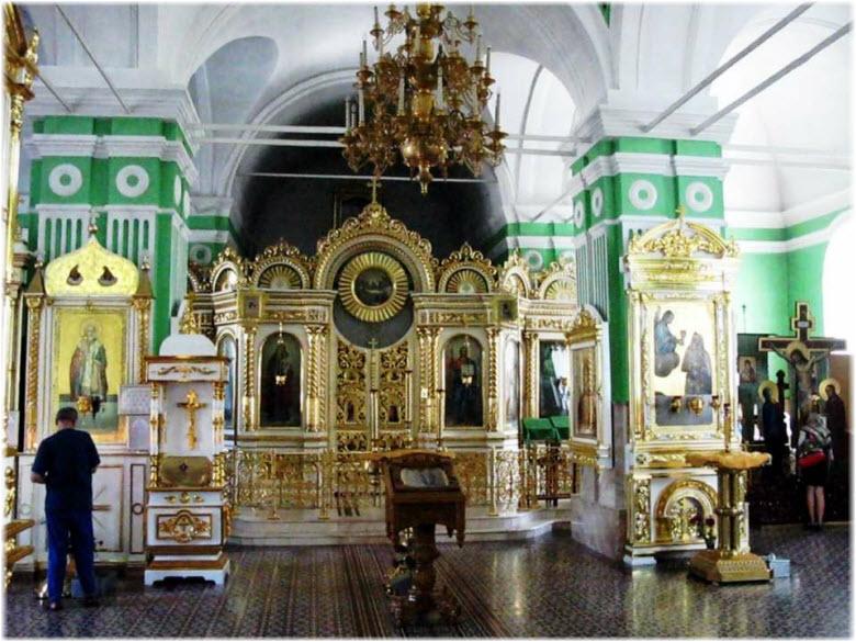 фото внутри храма Великого Онуфрия