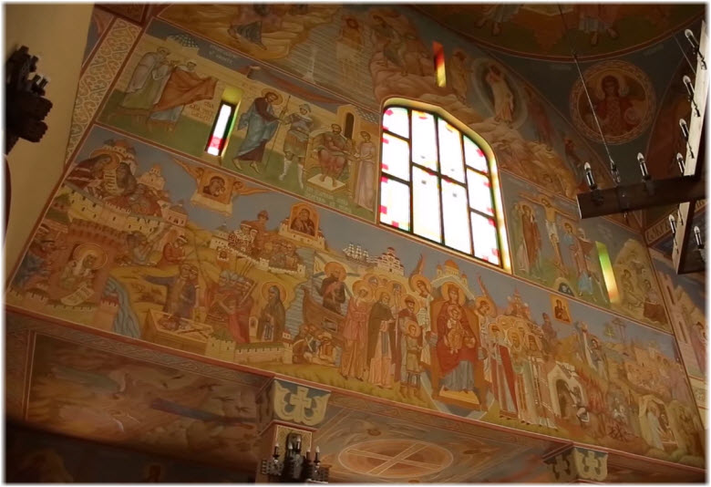 фото внутри Серафимовского храма