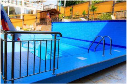 гостевые дома Адлера с бассейнами