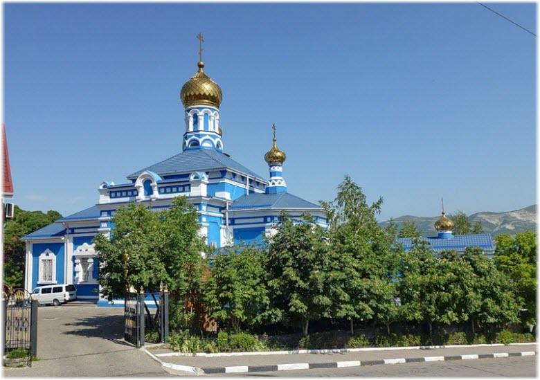 вход в храм Святого Успения