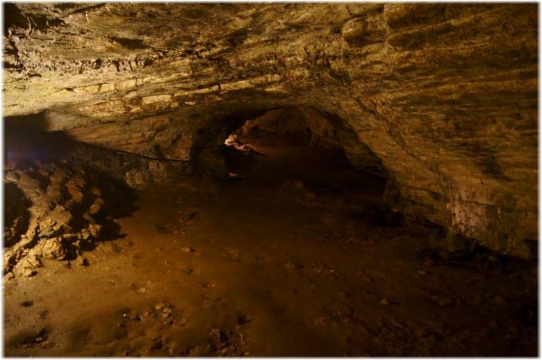 фото внутри Ахштырской пещеры