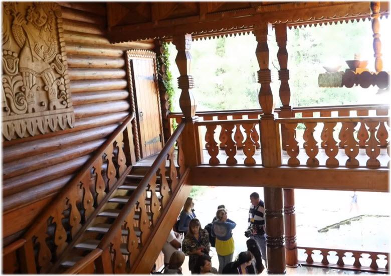 лестницы между домиками