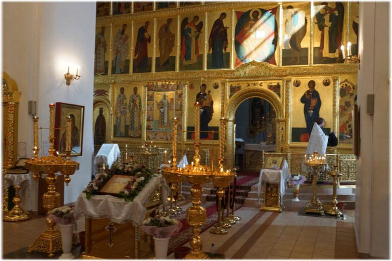 фото внутри церкви Рождества Христова