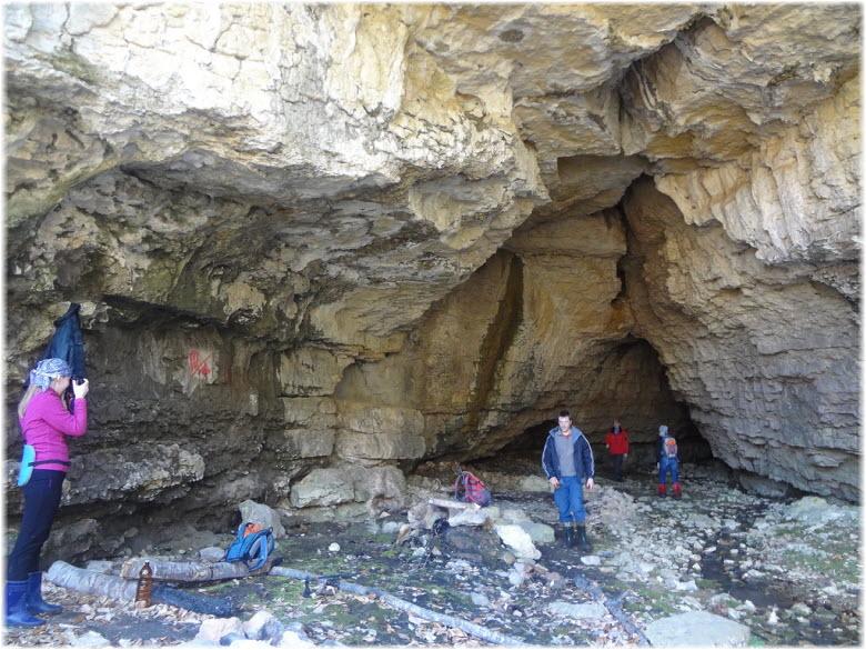 пещеры Флейта и Саксофон