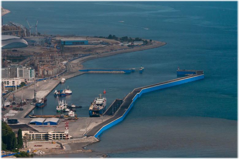 вид на Морской порт Сочи