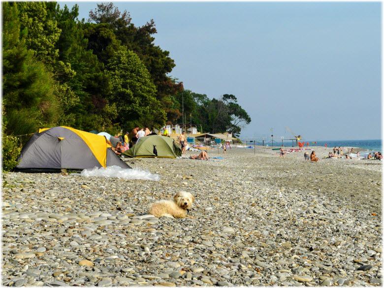 пляж у станции Уч-Дере