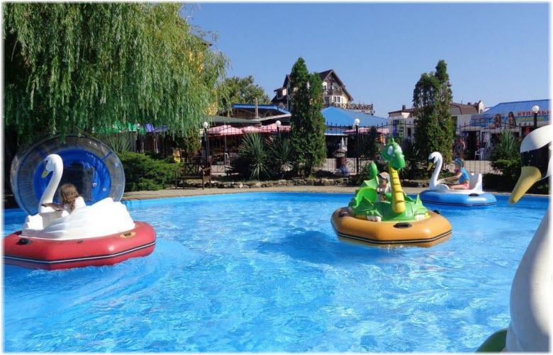 бассейн в Малибу