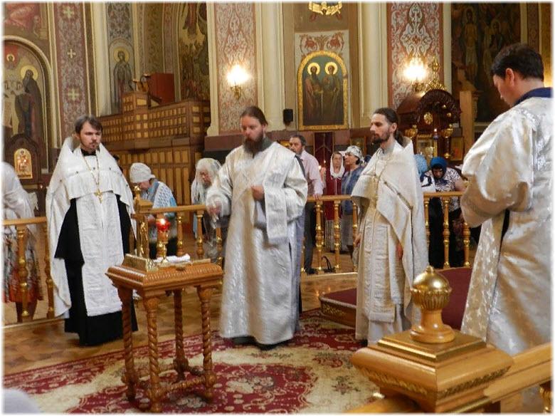 богослужение в соборе