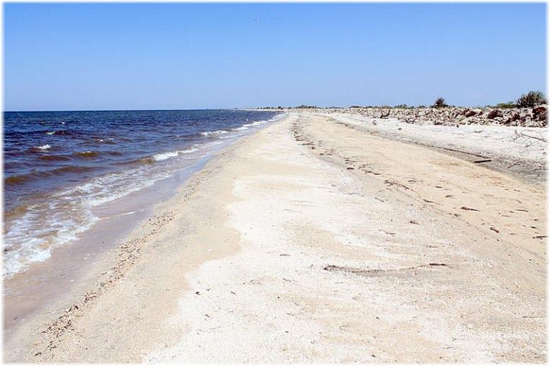 дикий пляж Темрюка