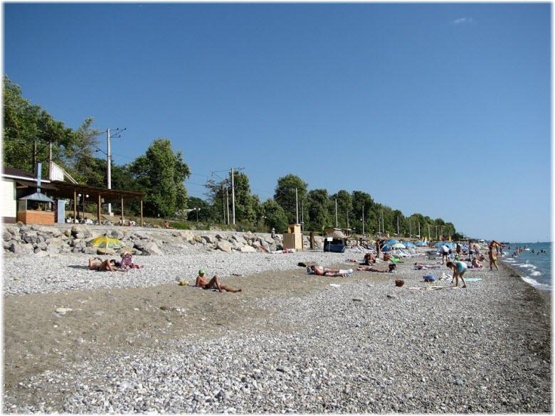 фото галечного пляжа Дельфин