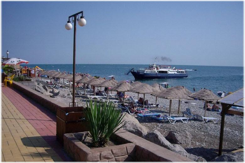 пляж Дельфин в Лазаревском