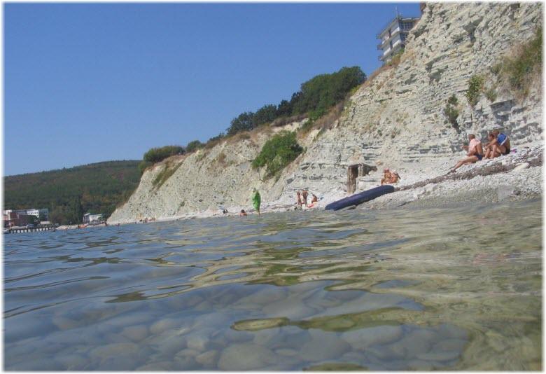 дикий пляж в Голубой бухте