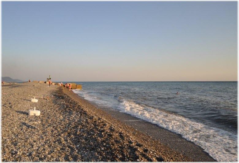 море у пляжа Багратион