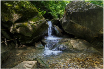 водопады реки Дедеркой