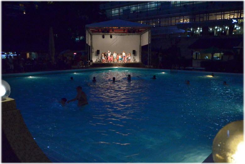 бассейн в Жемчужине