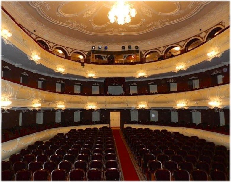 фото внутри Чеховского театра