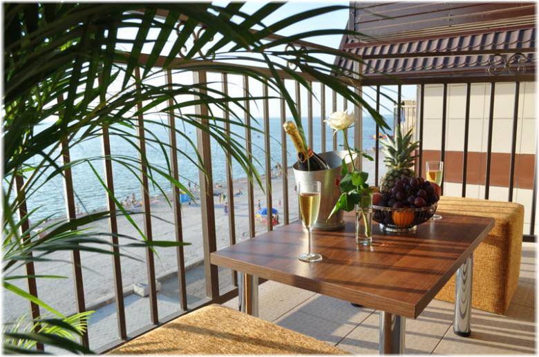Вид на море из отеля «Тропикана»