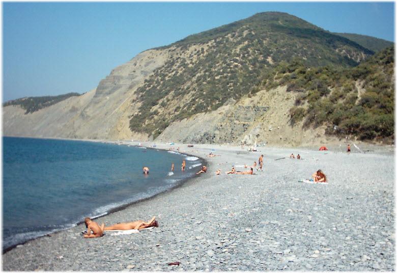дикий пляж за Большим Утришем