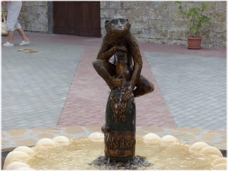 Фонтан с обезьянкой в Дюрсо