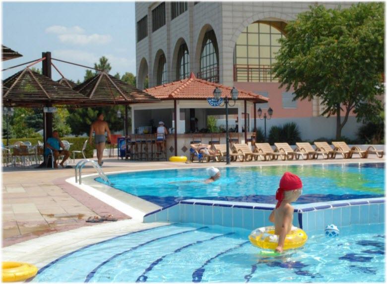 бассейн аквапарка Надежда