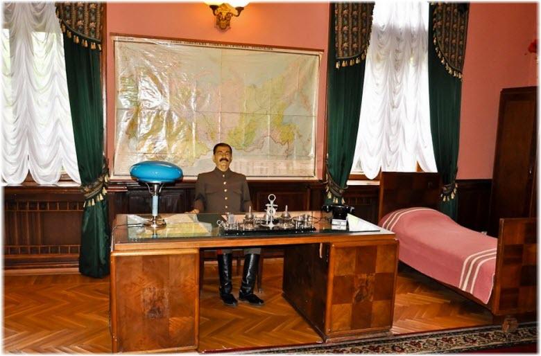 фото фигуры Сталина на даче