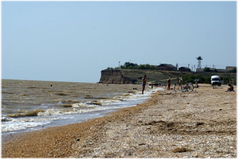 на пляжах Камышеватской косы