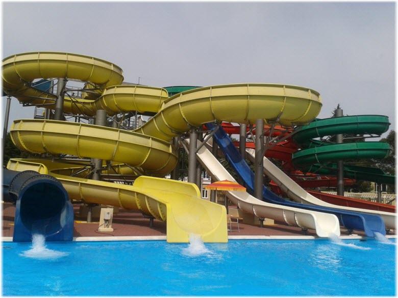 спуски в аквапарке Хосты