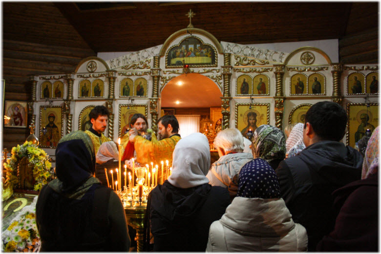 фото внутри Андреевского храма