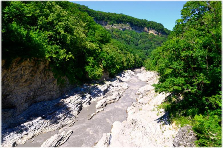 горный ручей Руфабго