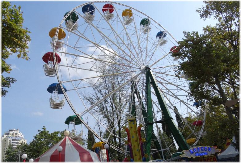 колесо обозрения в Ривьере