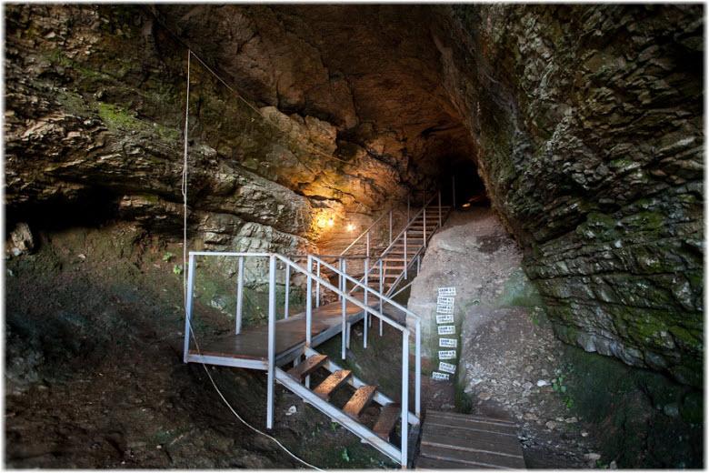 лестницы в пещере