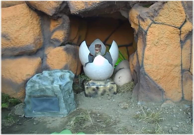 динозаврики в яйцах