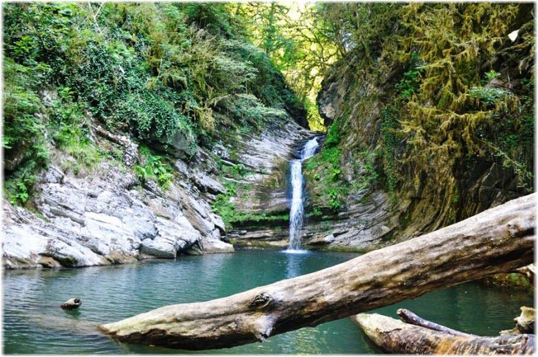 фото Самшитового водопада