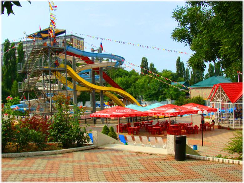 кафешка возле аквапарка Черномор