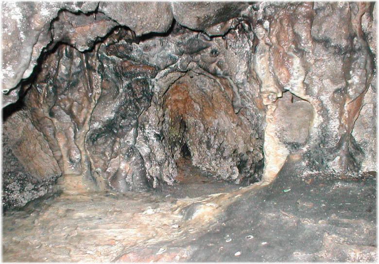 внутри Фанагорийской пещеры