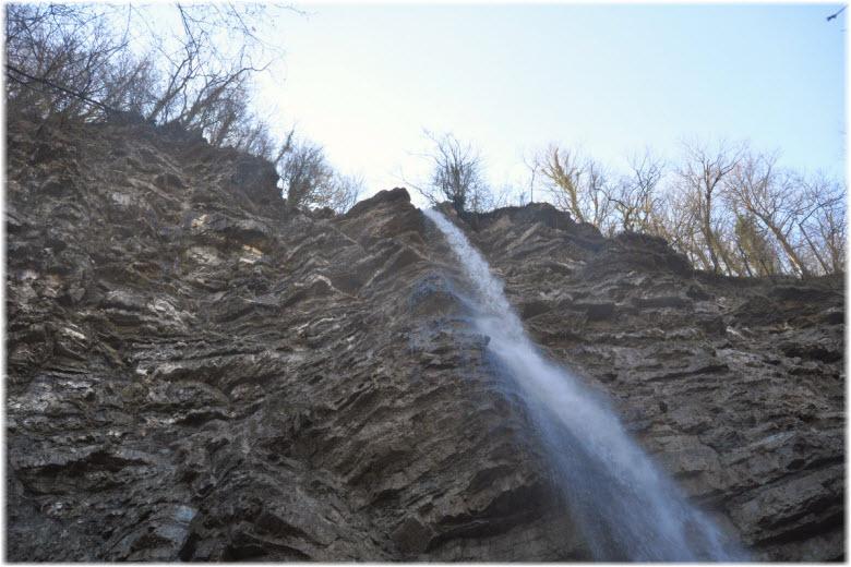 33-метровый водопад Перун
