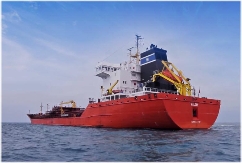 корабли у порта Тамань