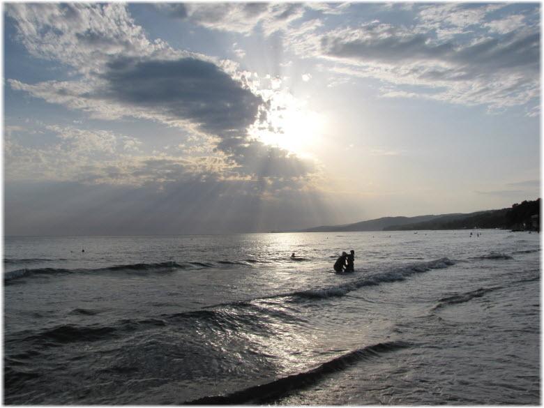 пляж отеля Радужный