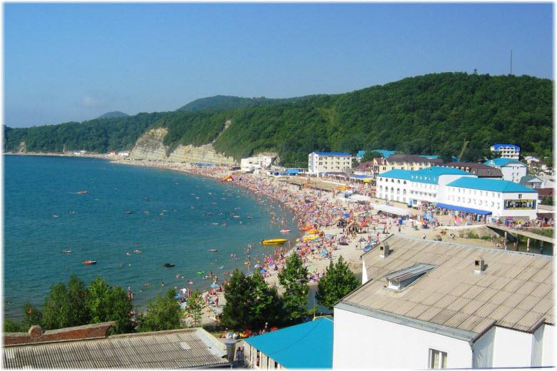 Центральный пляж Новомихайловского