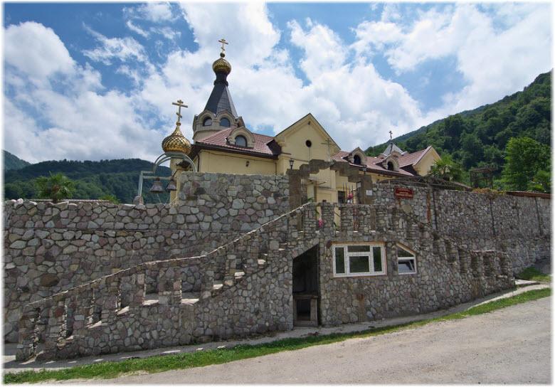 фото монастырских стен