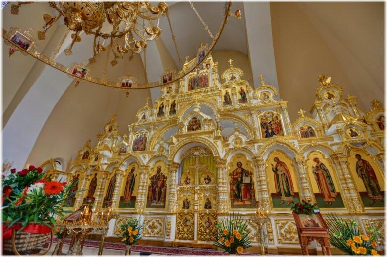 фото внутри храма равноапостольного Владимира