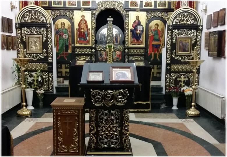 фото внутри церкви в Крестовой пустыни