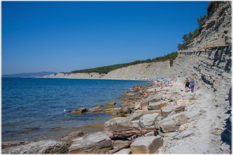 Нудистский пляж в Дивноморском